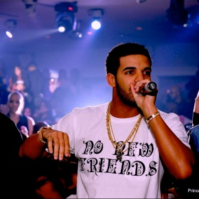 """Drake Performs """"No New Friends""""…Without…'Friends' [Video]"""